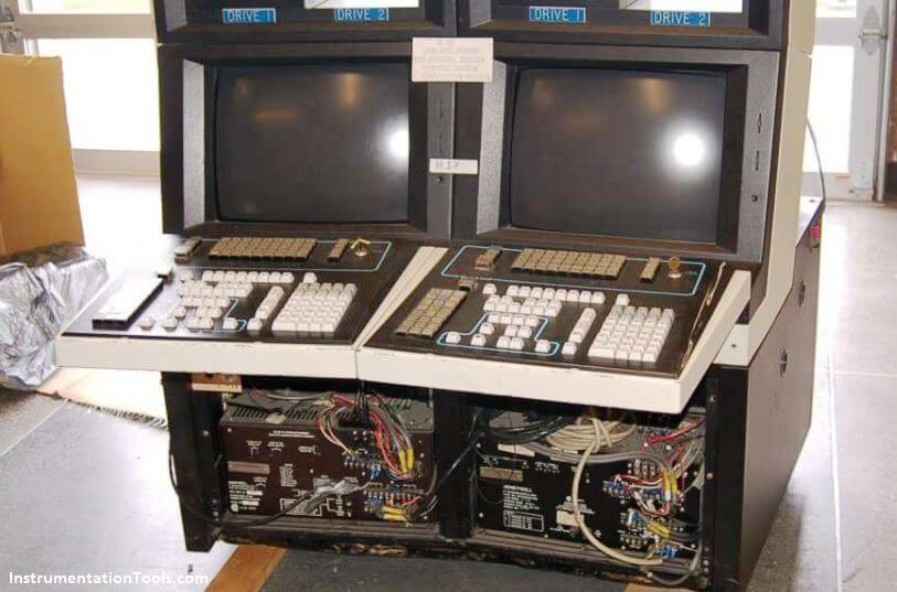 DCS TDC2000 operator workstation